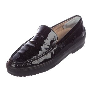 Tod's black patent loafer size 7